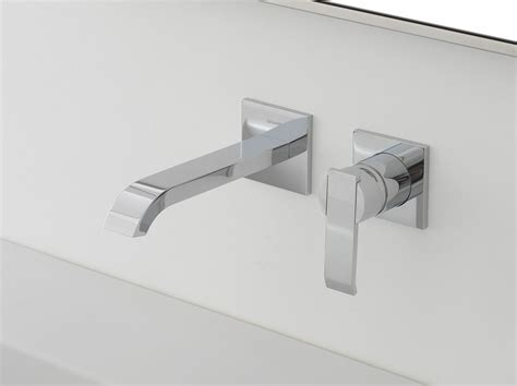 rubinetto a muro per lavabo qubic rubinetto per lavabo a muro by graff europe west
