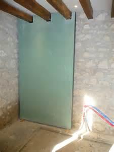 isolation avec les plaques hydrofuge pour la