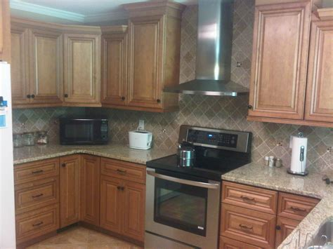maple glaze cabinets kitchen maple glazed kitchen cabinets pictures home fatare