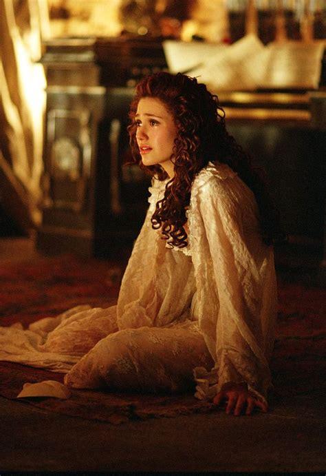 emmy rossum the phantom of the opera emmy rossum in phantom of the opera film l ve pinterest