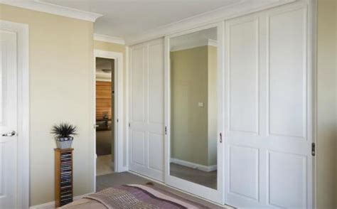 Floor To Ceiling Wardrobes With Sliding Doors by Floor To Ceiling Sliding Wardrobe Doors Built In