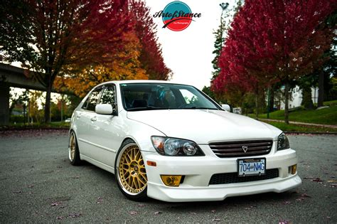 stanced lexus is300 white lexus in the fall john trinh s lexus is300