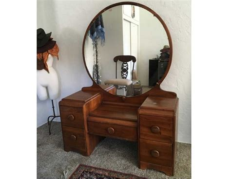 Antique Mirror Vanity by Antique Vanity With Mirror Value With Shape Ideas