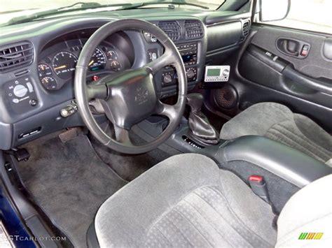 download car manuals 1994 chevrolet s10 blazer interior lighting 2002 chevrolet blazer ls zr2 4x4 interior color photos gtcarlot com