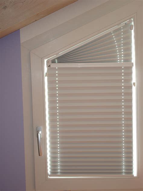 Gardinen Bad Fenster 1043 by Rollos F 252 R Schr 228 Ge Fenster Rollos Oder Hnliches F R