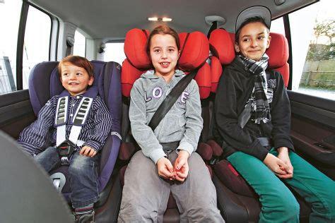 kindersitz test  welche autos passen drei kindersitze