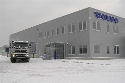 volvo truck service center volvo trucks center opens in slovakia autoevolution