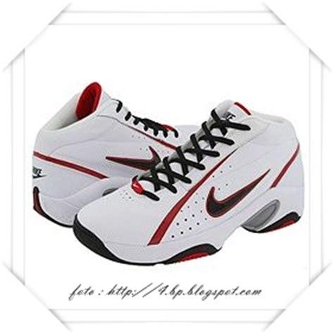 Daftar Sepatu Basket Spalding sepatukeren