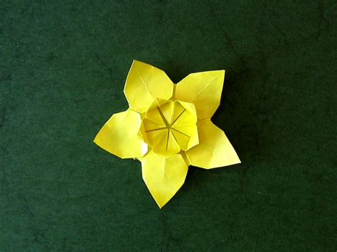 origami daffodil ali bahmani daffodil shaping happy folding