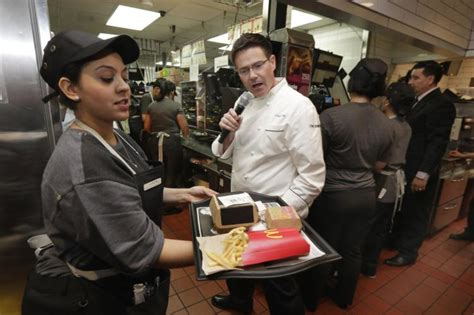 Mcdonalds Background Check Mcdonald S Offering Table Service At Select Restaurants Ny Daily News