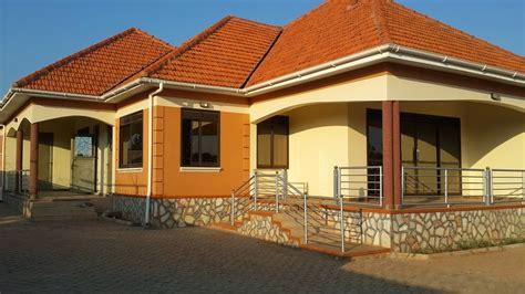 HOUSES FOR SALE KAMPALA, UGANDA: HOUSE FOR SALE NAMUGONGO