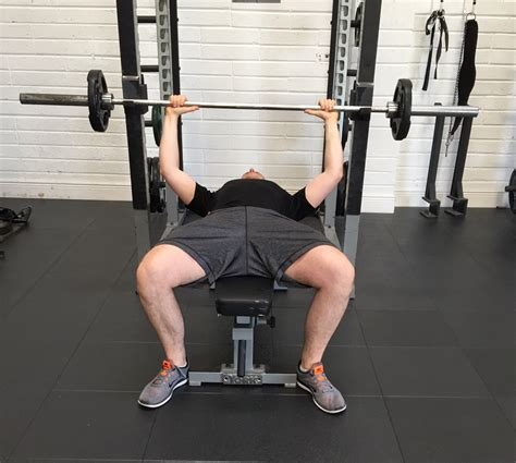 correct bench press proper bench press grip 28 images close grip bench
