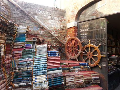 libreria acqua alta libreria acqua alta a venezia viaggi taccuinoviaggi