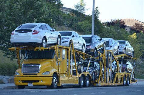 car carrier truck freightliner big rig auto transport truck 18 wheeler