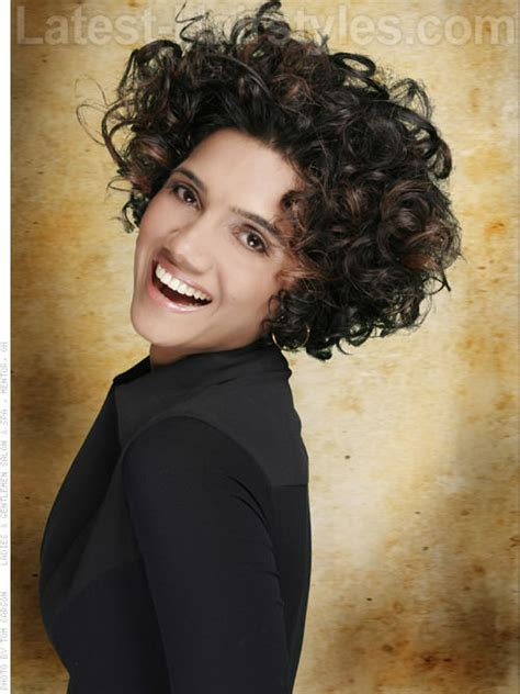 by phloss on ubat trendy hairstyles edition view of haircuts 14 fuss free curly hairstyles the winter 2014 edition hasil
