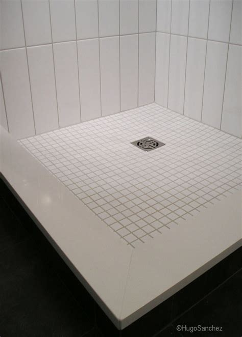 Tile shower base   Céramiques Hugo Sanchez Inc