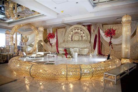 Red & Gold Royal Inspired Hindu Wedding {Durban, South