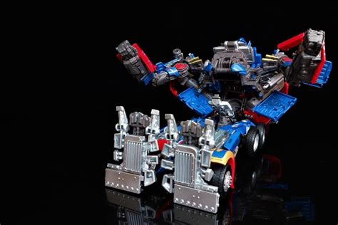 Kaos Transformer Optimus Prime 04 masterpiece mpm 04 optimus prime found in singapore and picture heavy review transformers