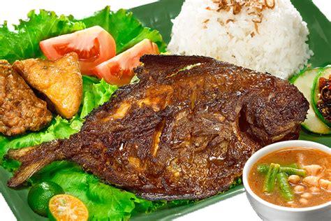 Ikan Bawal Segar ayam bakar barokah quot mang azays quot sejak 1983 ikan bakar