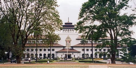 all about bandung information the bandung city in java sightseeing and landmarks