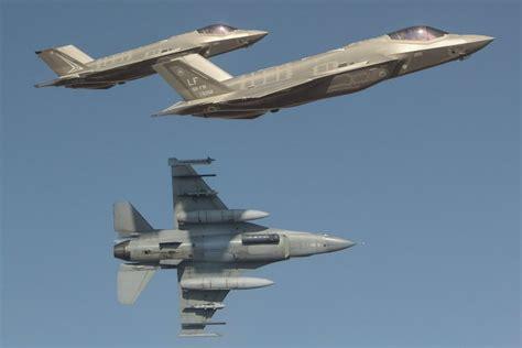 australian airforce 24 incredible photos the royal australian air force took
