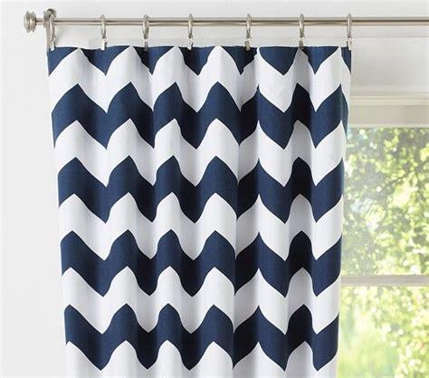 Navy Chevron Curtains 25 Best Ideas About Chevron Bedding On Grey Chevron Bedding Chevron Nursery