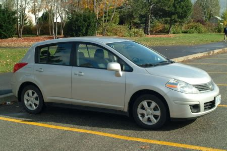2007 Nissan Versa Review by 2007 Nissan Versa Hatchback Review
