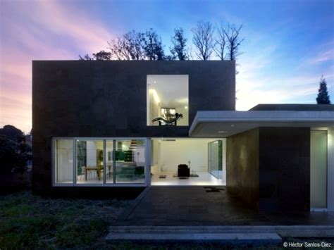 House With High Ceilings | modern house in spain spacious rooms and high ceilings