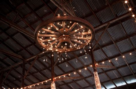 Diy Wagon Wheel Chandelier Wagon Wheel Chandelier Lights Wagon Wheel Chandelier And Wedding