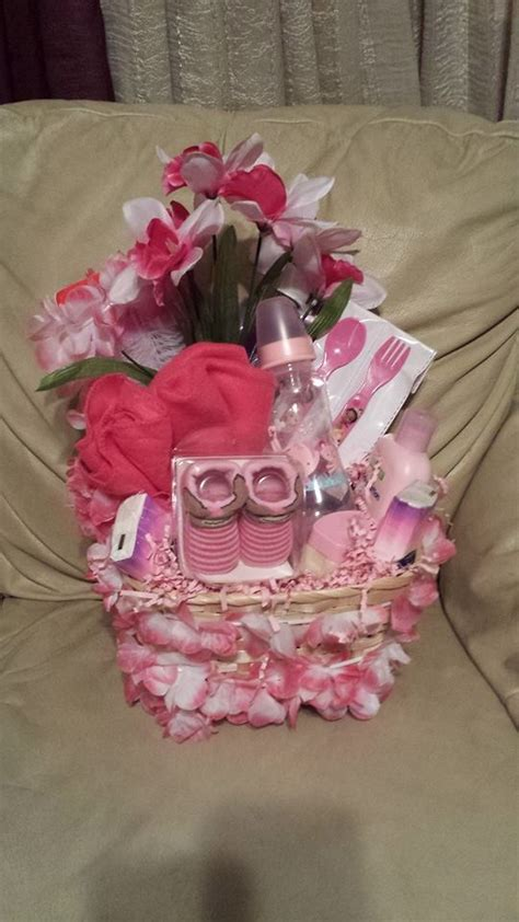 Baskets For Baby Shower by 90 Lovely Diy Baby Shower Baskets For Presenting