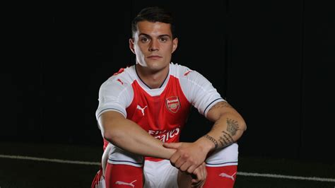 arsenal xhaka arsenal s olivier giroud is on track to become the premier