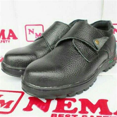 sepatu safety nema model baru harga 152 000 hubungi