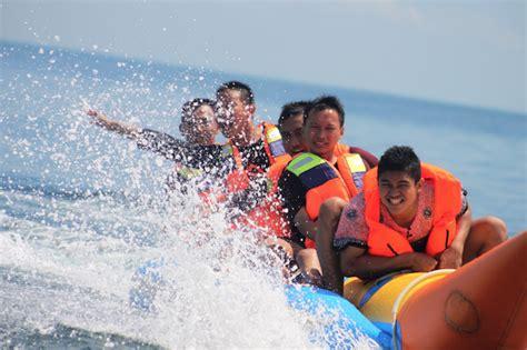 destin boat rides destin fl banana boat rides destin banana boats