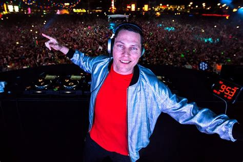 best dj mixes check out the best mixes of dj tiesto recommended by