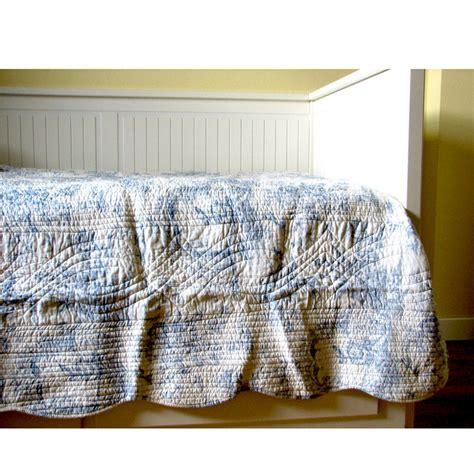 kerzenleuchter silber groß design wohnzimmer tierteppich
