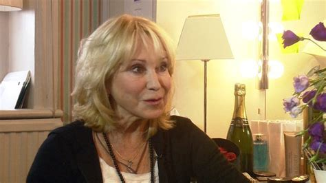 felicity kendal s hair hairstyles beauty tips felicity kendall hair styles terry o neill felicity