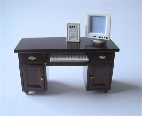 schreibtisch mit computer schreibtisch mit computer pc puppenhaus m 246 bel wohnzimmer