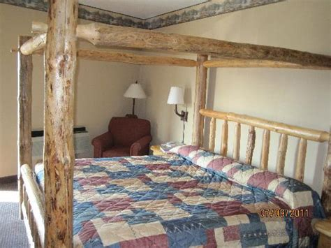 great wolf lodge bedrooms king bed in privite room picture of great wolf lodge