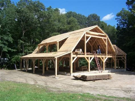 how to build a barn style roof best 25 gambrel barn ideas on pinterest gambrel