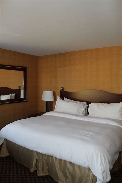 rooms to go woodlands vacation like a local at the woodlands inn in the poconos