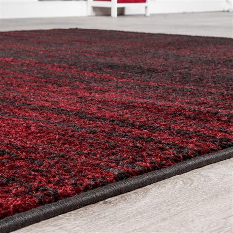 wohnzimmer teppich rot teppich f 252 r das wohnzimmer farbverlauf modern rot braun