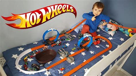 Wheels Turbot Hotwheels wheels na cama pista track builder corrida de carros da hotwheels