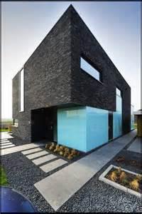 best 25 modern brick house ideas on pinterest