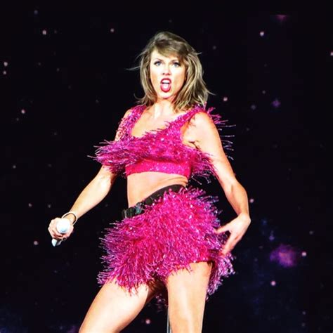 taylor swift concert ends club nomadic ready for its close up more bruno mars