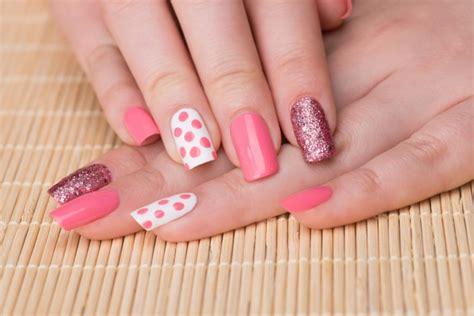 imagenes de uñas acrilicas bien bonitas decoradas con pedreria 10 consejos para tener unas u 241 as bonitas y envidiables