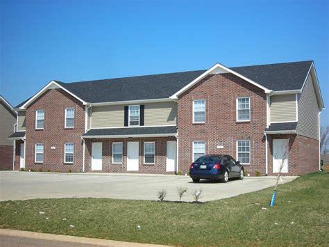 Apartments In Clarksville Tn Wilma Rudolph Oak Arbor Townhomes Apartment In Clarksville Tn