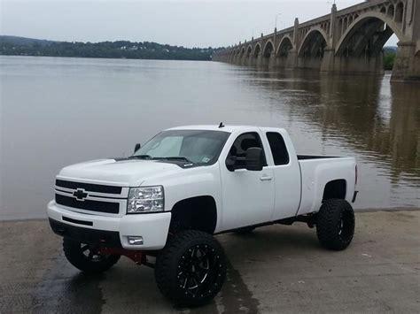 cummins truck white white chevy trucks jacked up www pixshark com images