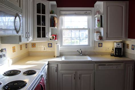 kitchen cabinet colors with white appliances alkamedia
