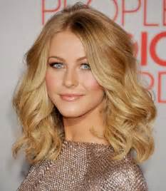 hairstyles slightly wavy hair 23 chic medium hairstyles for wavy hair styles weekly
