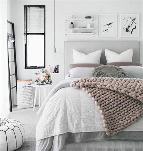 chambre adulte blanc et rose